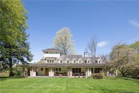 Single Family Home Sold in Weston CT 06883. Old colonial house near beach side waterfront with 2 car garage.
