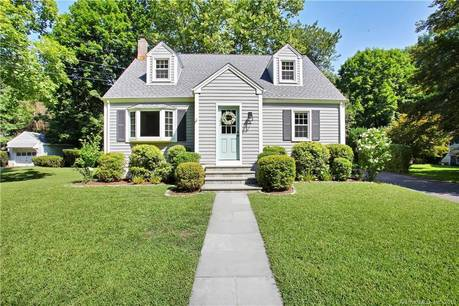 Single Family Home Sold in Darien CT 06820.  cape cod house near beach side waterfront.