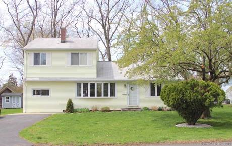 Single Family Home Sold in Stamford CT 06902. Ranch house near beach side waterfront.