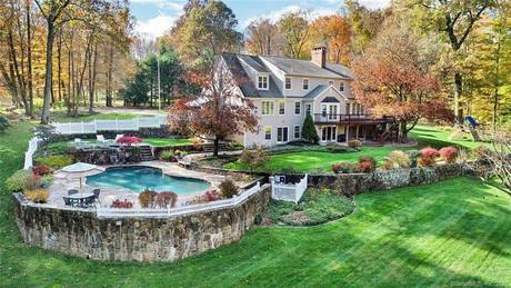 Mansion Sold in New Canaan CT 06840. Big  cape cod house near waterfront with swimming pool and 2 car garage.