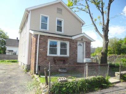 Single Family Home Sold in Bridgeport CT 06607. Old colonial house near waterfront.