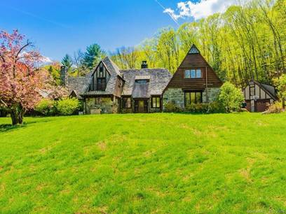 Single Family Home Sold in Danbury CT 06810. Old colonial house near river side waterfront with swimming pool and 3 car garage.