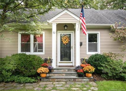 Single Family Home Sold in Stamford CT 06905. Ranch house near beach side waterfront.