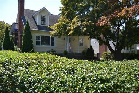 Multi Family Home Sold in Stamford CT 06902.  house near beach side waterfront with 2 car garage.