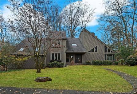 Foreclosure: Single Family Home Sold in Stamford CT 06903. Contemporary house near river side waterfront with swimming pool and 2 car garage.