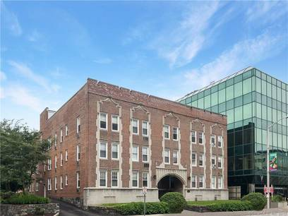 Condo Home Sold in Stamford CT 06901. Old  house near waterfront with 1 car garage.