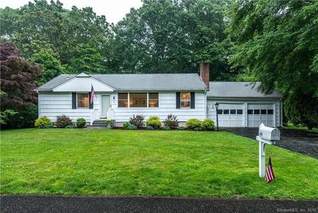 Single Family Home Sold in Darien CT 06820. Ranch house near beach side waterfront with 2 car garage.