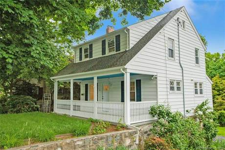 Single Family Home Sold in Stamford CT 06906. Old colonial house near beach side waterfront with 2 car garage.