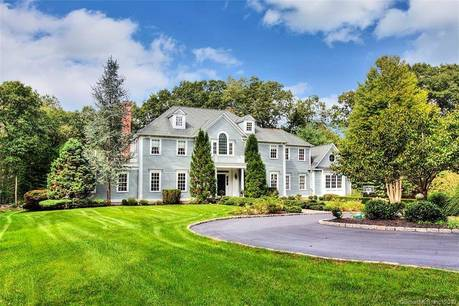 Single Family Home Sold in Weston CT 06883. Colonial house near beach side waterfront with 3 car garage.