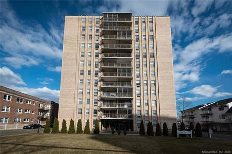 Foreclosure: Condo Home Sold in Stamford CT 06902. Ranch house near waterfront.