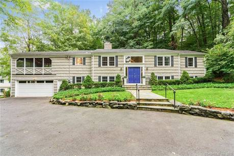 Single Family Home Sold in Stamford CT 06903. Ranch house near waterfront with 2 car garage.
