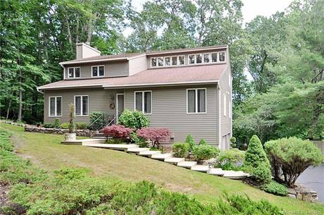 Single Family Home Sold in Bethel CT 06801. Contemporary house near waterfront with 2 car garage.
