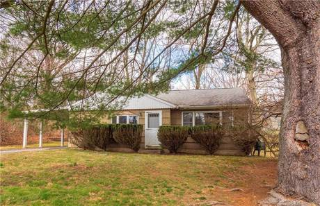 Single Family Home Sold in Norwalk CT 06851. Ranch house near waterfront.