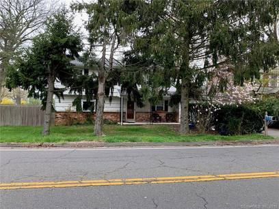 Single Family Home Sold in Stratford CT 06615. Colonial house near waterfront with 2 car garage.