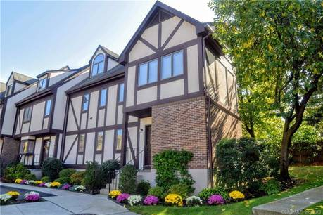 Condo Home Sold in Stamford CT 06906.  townhouse near lake side waterfront.