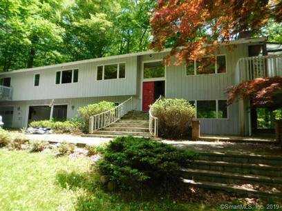 Foreclosure: Single Family Home Sold in Stamford CT 06903. Ranch house near river side waterfront with 3 car garage.
