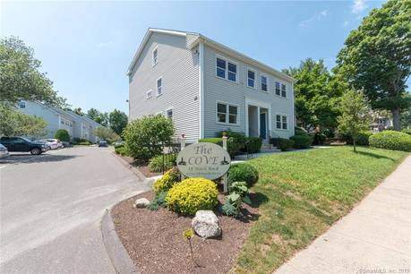 Condo Home Sold in Bridgeport CT 06605.  townhouse near beach side waterfront.