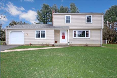 Single Family Home Sold in Bethel CT 06801. Colonial house near waterfront with 1 car garage.