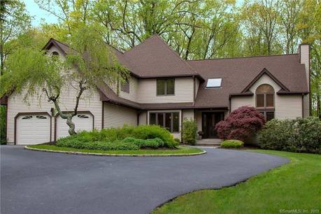 Single Family Home Sold in Monroe CT 06468. Contemporary, colonial house near waterfront with 2 car garage.