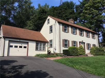 Single Family Home Sold in Shelton CT 06484. Colonial saltbox house near waterfront with 1 car garage.