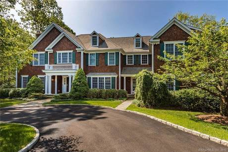 Mansion Sold in Ridgefield CT 06877. Big colonial house near waterfront with swimming pool and 3 car garage.
