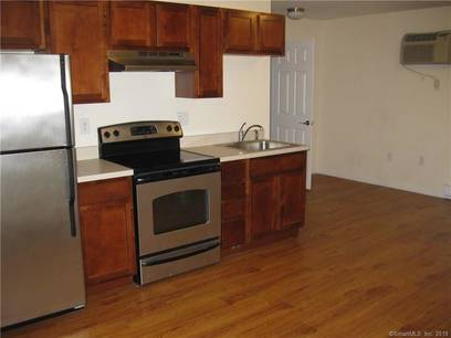 Residential Property For Rent in Danbury CT 06810. Ranch house near waterfront.