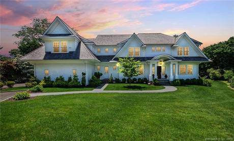 Luxury Mansion Sold in Westport CT 06880. Big colonial house near beach side waterfront with 3 car garage.