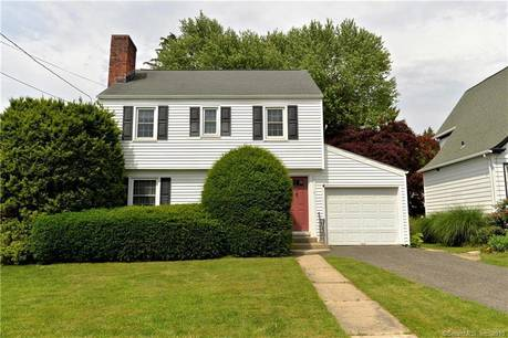 Single Family Home Sold in Danbury CT 06810. Old colonial house near waterfront with 1 car garage.