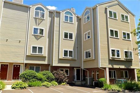 Condo Home Sold in Norwalk CT 06850.  townhouse near waterfront.