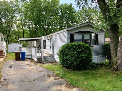 Foreclosure: Single Family Home Sold in Shelton CT 06484.  mobile-home house near waterfront.