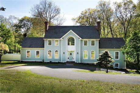 Single Family Home Sold in Easton CT 06612. Colonial house near waterfront with swimming pool and 3 car garage.