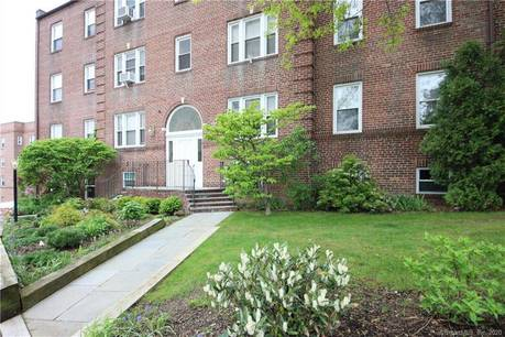 Foreclosure: Condo Home For Rent in Stamford CT 06902. Old ranch house near waterfront.