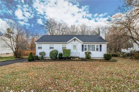 Single Family Home Sold in Trumbull CT 06611. Ranch house near waterfront with 1 car garage.