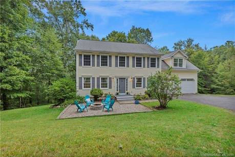 Single Family Home For Sale in Newtown CT 06482. Colonial house near waterfront with 2 car garage.