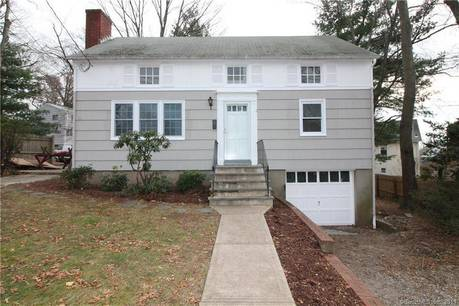 Single Family Home Sold in Norwalk CT 06850. Colonial cape cod house near waterfront with 1 car garage.