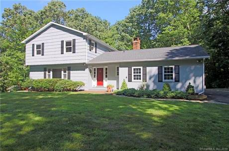 Single Family Home Sold in Newtown CT 06482. Colonial house near river side waterfront with 2 car garage.