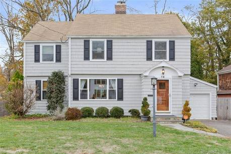 Single Family Home Sold in Fairfield CT 06825. Colonial house near beach side waterfront with 1 car garage.