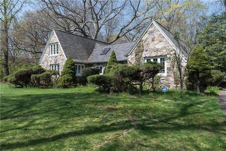Short Sale: Single Family Home Sold in Weston CT 06883. Old colonial cape cod house near river side waterfront with 2 car garage.
