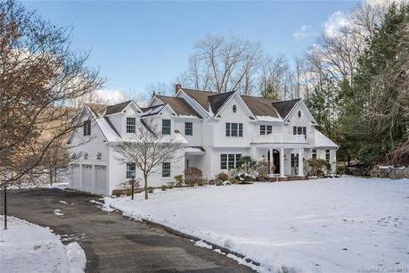 Single Family Home For Sale in Brookfield CT 06804. Colonial house near lake side waterfront with 3 car garage.