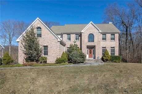 Single Family Home Sold in Shelton CT 06484. Colonial house near waterfront with swimming pool and 3 car garage.