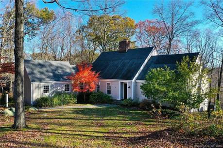 Foreclosure: Single Family Home Sold in Ridgefield CT 06877.  cape cod house near waterfront with 2 car garage.