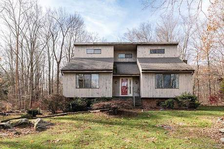 Foreclosure: Single Family Home Sold in Brookfield CT 06804. Contemporary house near waterfront with 2 car garage.