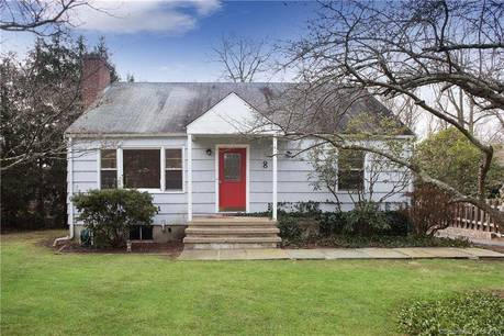 Single Family Home For Sale in New Canaan CT 06840.  cape cod house near waterfront.