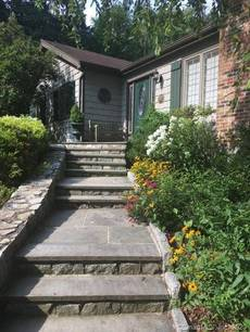 Single Family Home Sold in Norwalk CT 06850. Ranch house near river side waterfront with 2 car garage.