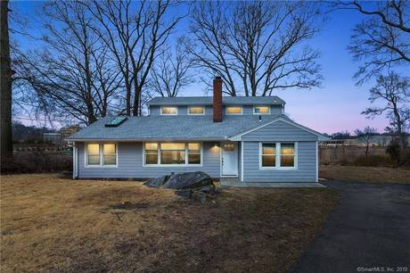 Single Family Home Sold in Norwalk CT 06854. Contemporary, colonial house near beach side waterfront.