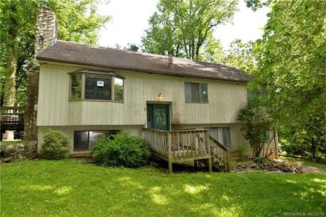 Foreclosure: Single Family Home Sold in Ridgefield CT 06877. Ranch house near waterfront with 2 car garage.