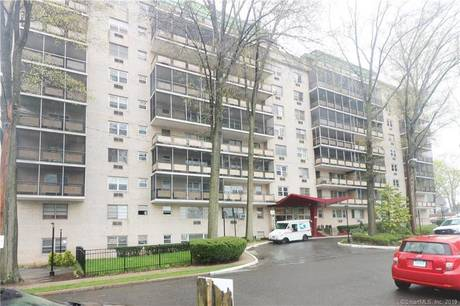 Short Sale: Condo Home Sold in Bridgeport CT 06604.  house near river side waterfront.