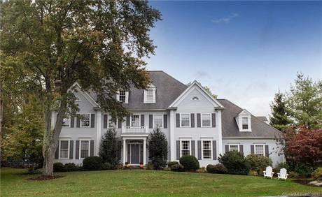 Single Family Home For Rent in Ridgefield CT 06877. Colonial house near lake side waterfront with 3 car garage.