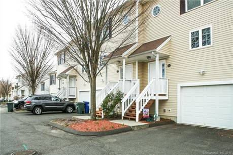 Condo Home Sold in Bridgeport CT 06607.  townhouse near beach side waterfront with 1 car garage.