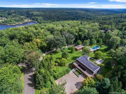 Luxury Mansion For Sale in New Canaan CT 06840. Big  house near waterfront with swimming pool and 5 car garage.